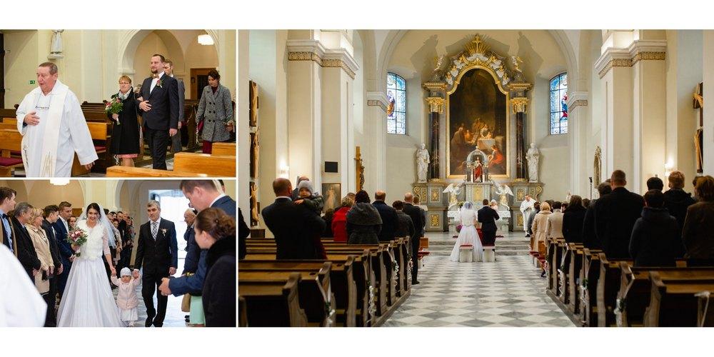 Svatební obřad v kostele ve Slušovicích.