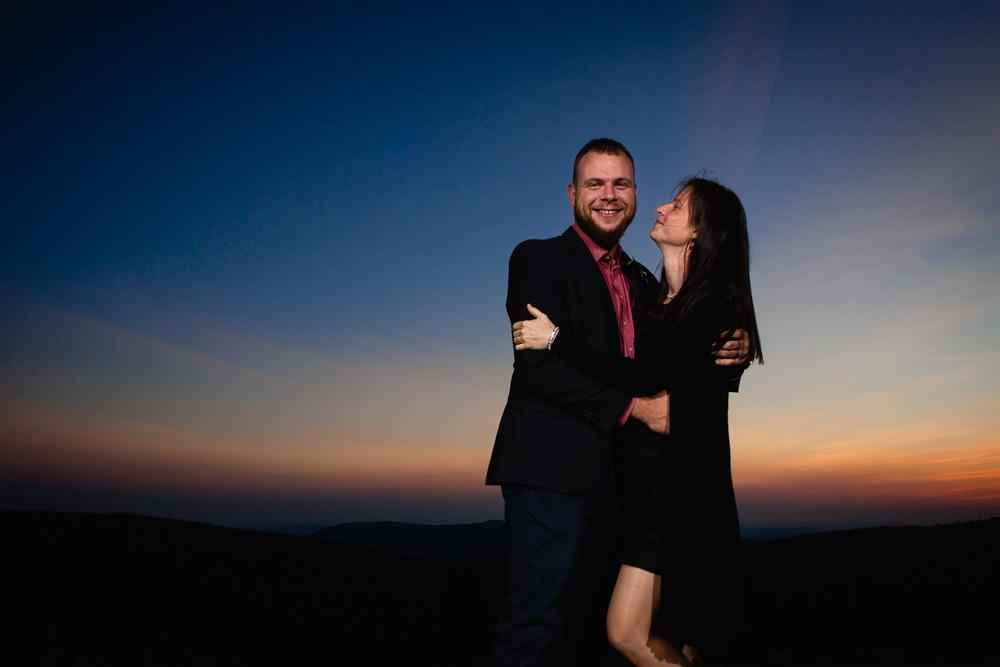 Manželé v objetí