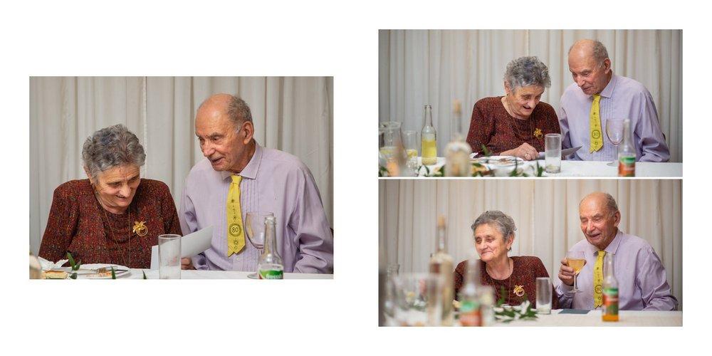 Karel a Miluška u stolu.