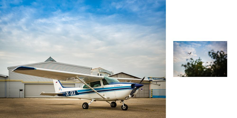 Letadlo u hangárů.