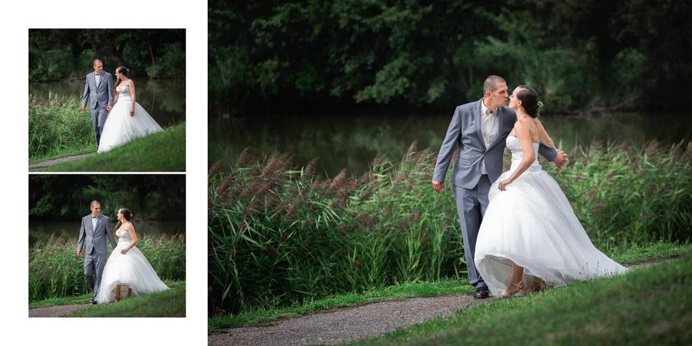 Novomanželé u rybníka.