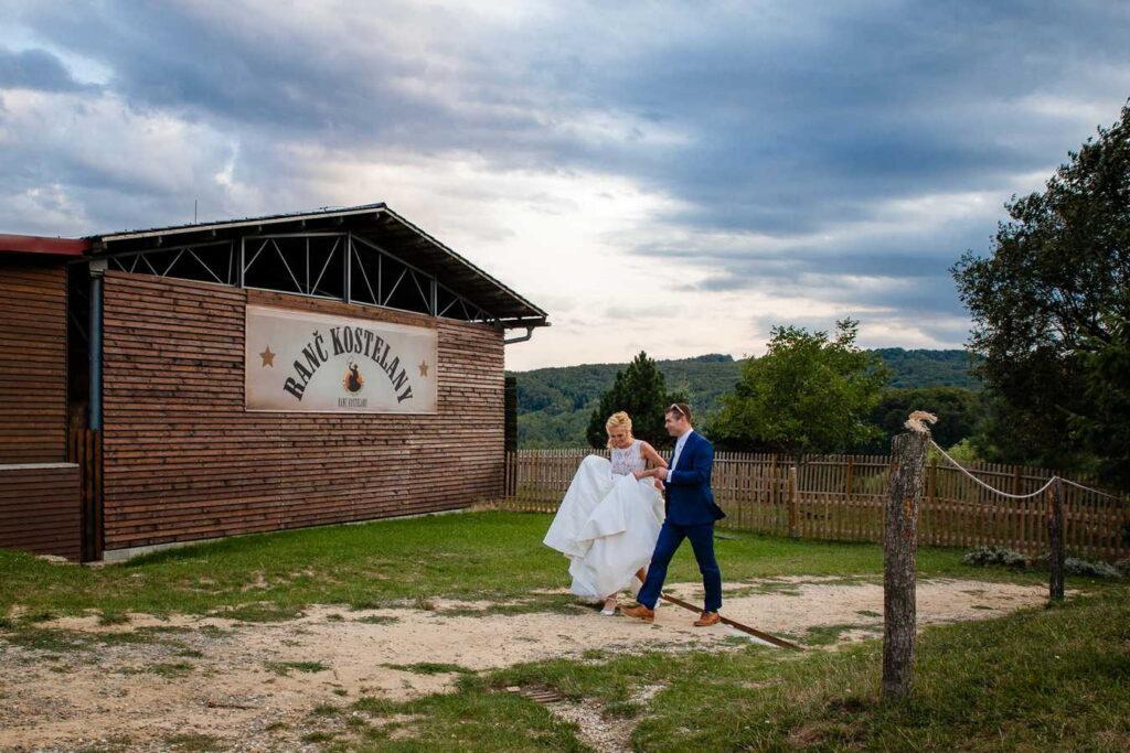 svatebni-fotograf-praha-svatba-ranc-kostelany-595